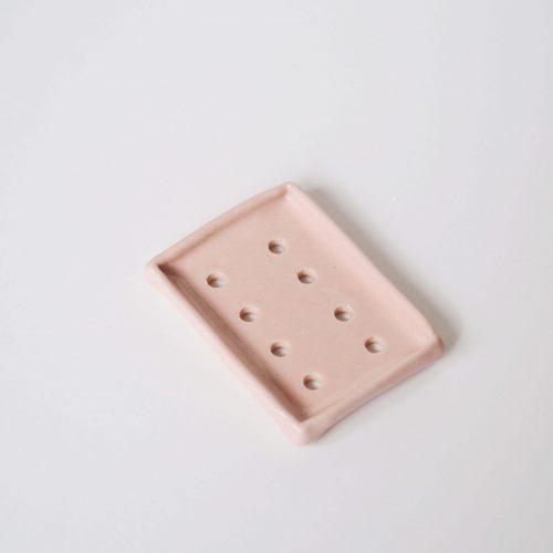 roze keramiek zeephouder