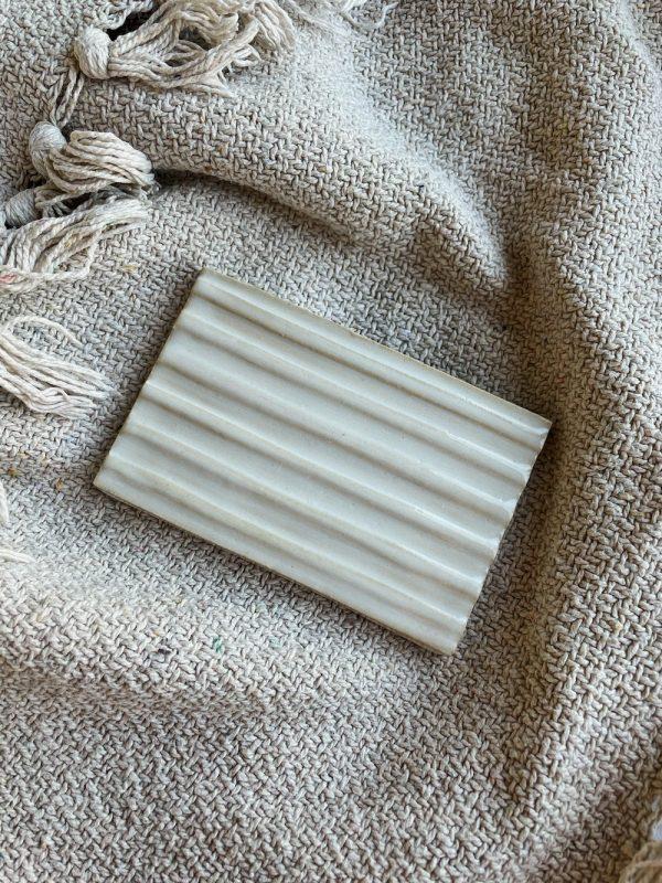 Zeephouder keramiek rechthoekig wit Handgemaakt Zeeplokaal