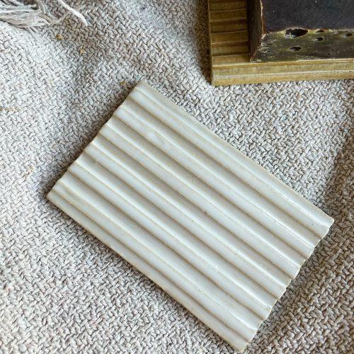 Zeephouder wit keramiek rechthoekig handgemaakt Zeeplokaal